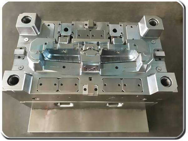 plastic injection mold 02